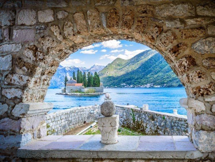 10. Черногория: гражданство от €350 000 Стоимость, вид на жительство, внж, деньги, паспорт, страна, факты, цена