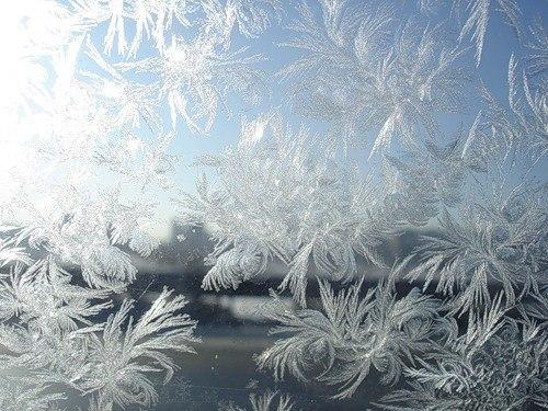 Морозные узоры на стекле...
