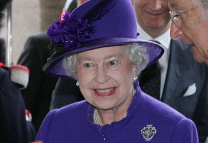 В Лондоне после речи королевы вспыхнули протесты против мер экономии