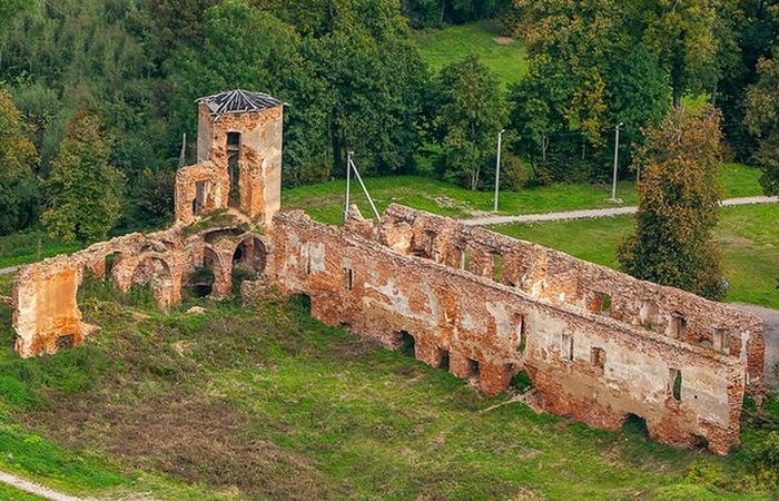 Из истории жертвоприношений: Замурованные тайны, которые находят в старых замках археологи