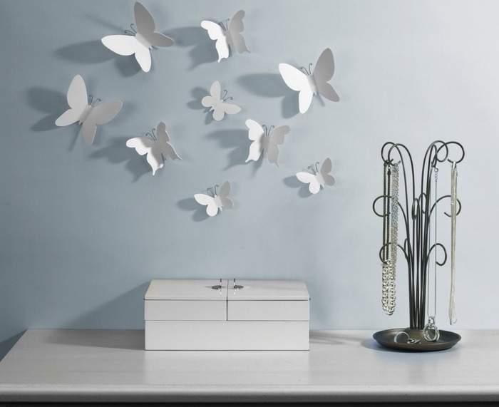 Как украсить стену бабочками из бумаги