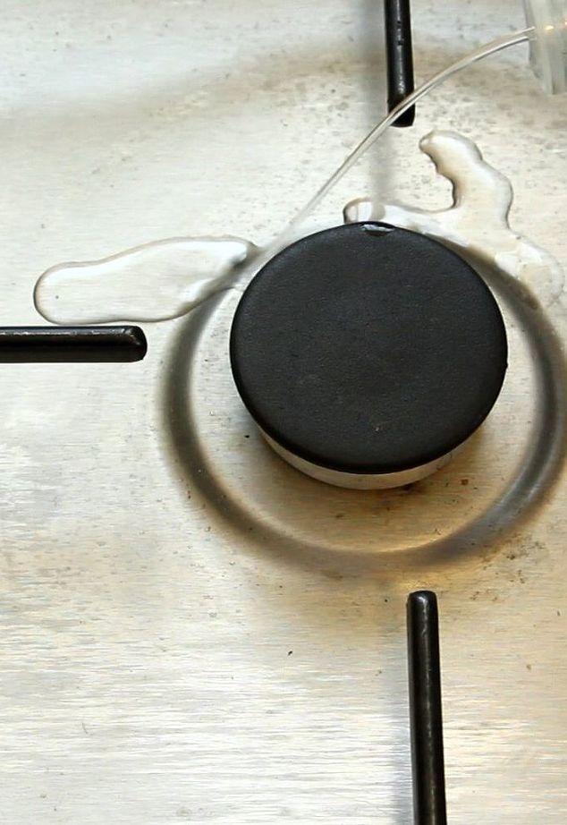 Простой и дешёвый метод для сияющей кухонной раковины за 3 минуты
