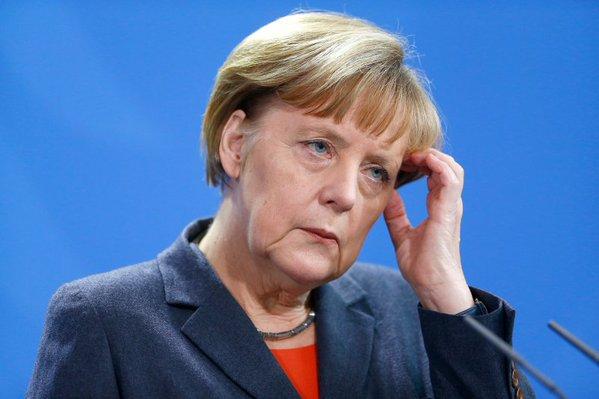 Меркель отменила поездку в Давос из-за событий в Кельне