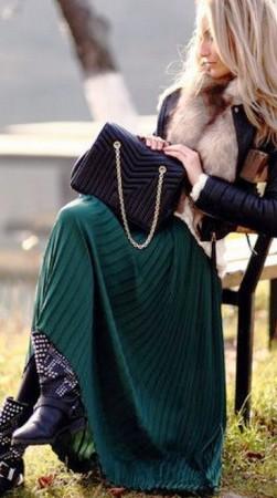 Считаете, что зимой юбки не носят? Но только не такие! 17 шикарных идей с макси-юбками