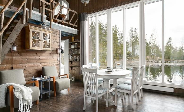 Очаровательный домик на фоне финской природы