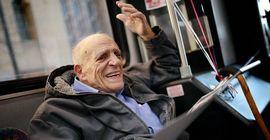 60 лет он каждый день садился на автобус и ехал на работу. Но в этот раз что-то пошло не так...
