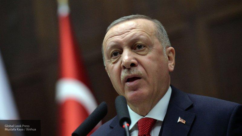 Глава Турции Эрдоган заявил о 400 тысячах беженцев Идлиба, направляющихся к Турции