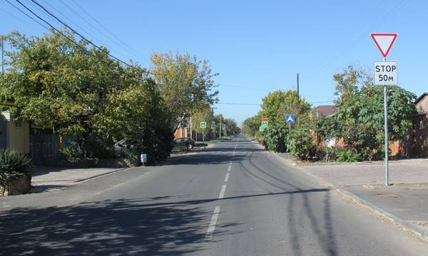 Активисты ОНФ в Коми проверили результаты ремонта дороги на улице Чернова в центре Сыктывкара