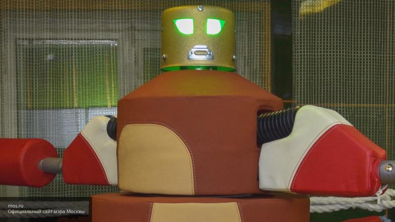 Руководство знаменитого японского отеля уволило более половины роботов-работников