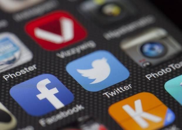 Фейковые новости в твиттере распространились быстрее настоящих