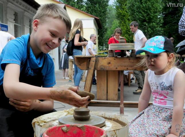 Москвичи смогут подарить вторую жизнь старым вещам на фестивале в «Парке ремесел»
