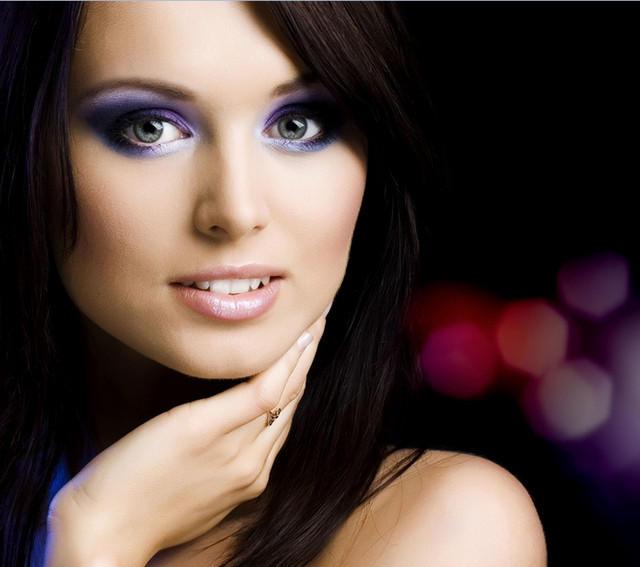 Фиолетовый макияж в технике «Смоки айс» (Smoky Eyes)