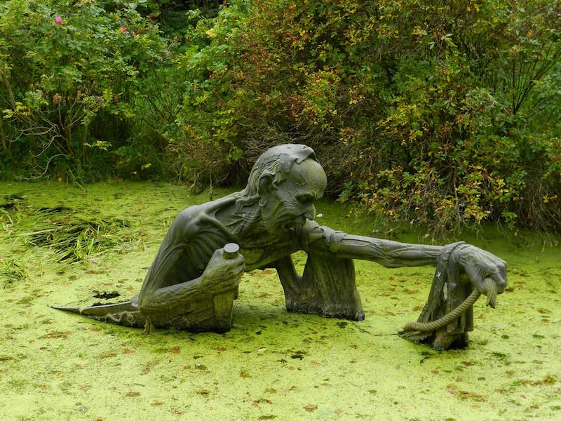 17. Жуткая скульптура на болоте в Ирландии. планета земля, удивительные фотографии, человек