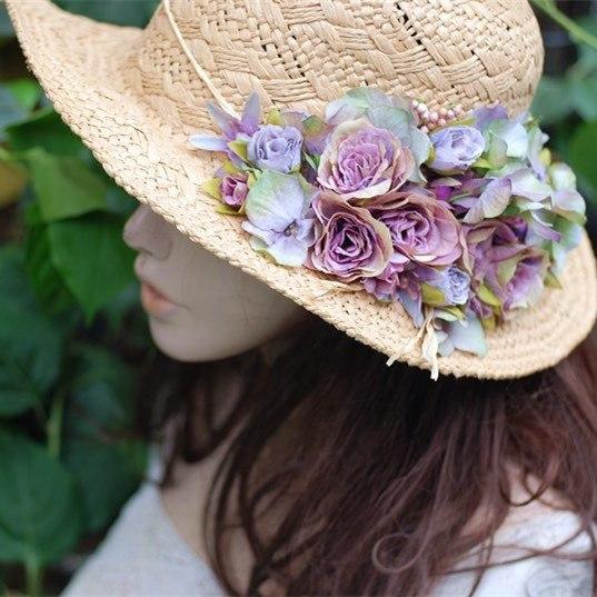 Шляпки это всегда красиво, эффектно и женственно.