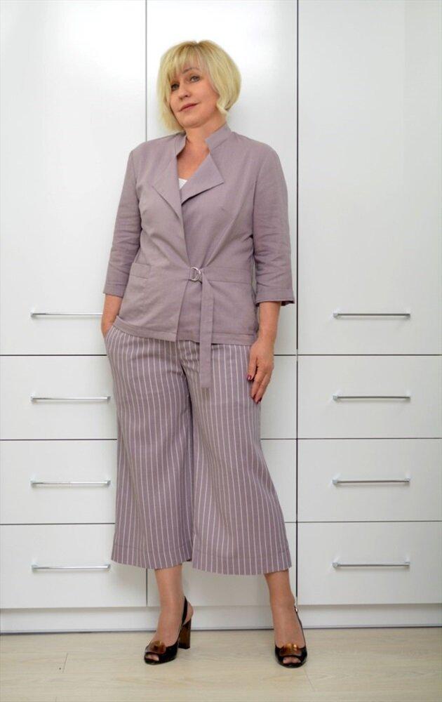 Образы для обычных женщин 50+, а не фотомоделей рукавами, длиной, костюм, можно, которые, принтом, колена, выбраны, силуэта, прямого, туфли, костюму, Модель, джемпер, стильно, смотрится, прямая, ткани, трикотажный, использовать