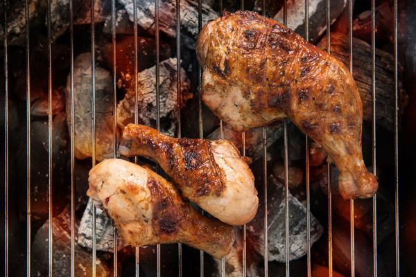Как правильно жарить на гриле курицу