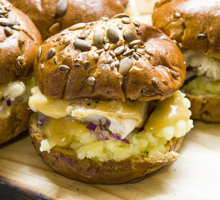 Шведский бургер с пивным соусом