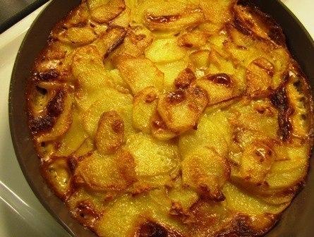 Фото к рецепту: Картофель с чесноком.