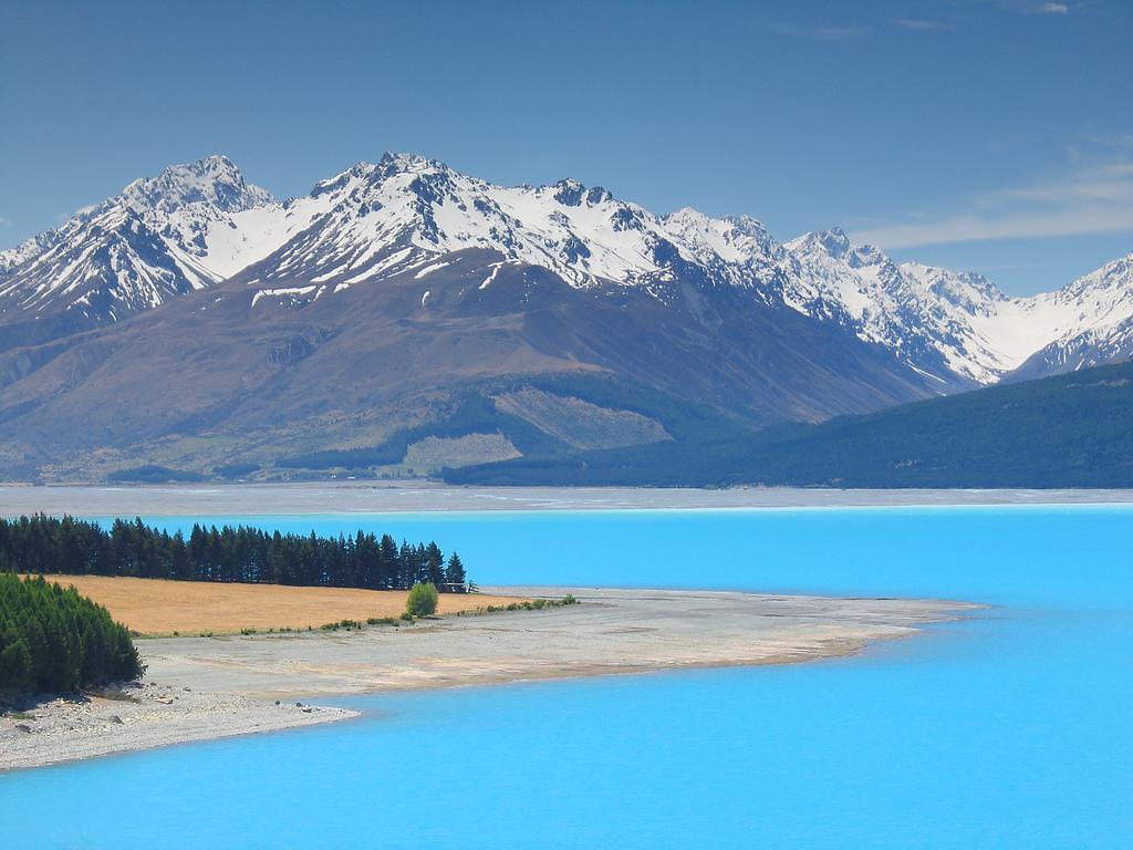 Красивейшие цветные озера мира