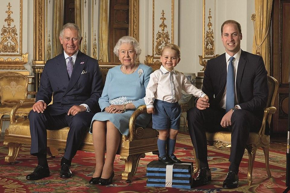СМИ сообщили об отречении Елизаветы II в пользу принца Уильяма