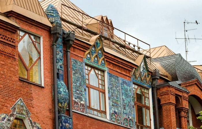 Этот дом достоин целой книги - настолько богатая у него история. /Фото:kelohouse.ru