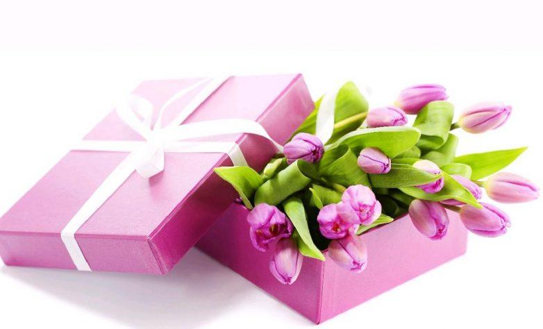 Как раздать подарки на 8 марта