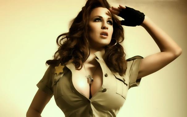 Девушки из одежды вываливается большая грудь фото — photo 11