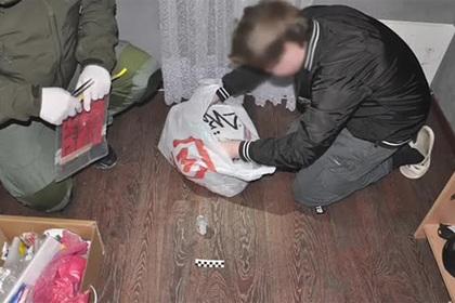 ФСБ показала кадры с планировавшим убийство одноклассников школьником из Сочи Силовые структуры