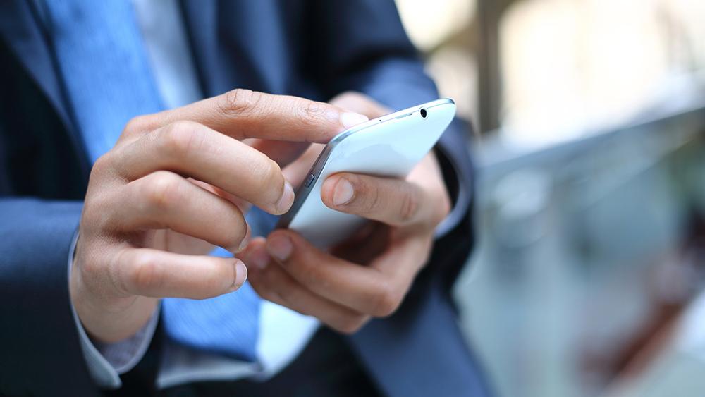 Россиянин оригинально наказал мошенников, блокирующих смартфоны