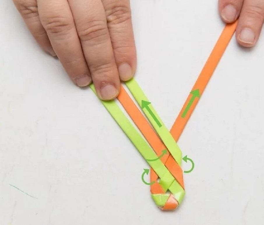 Браслеты из цветной бумаги