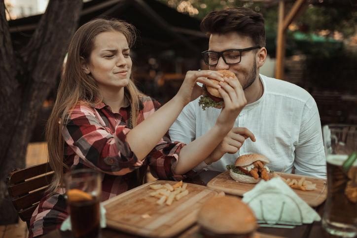 10 способов сблизиться с партнером, не раздеваясь.
