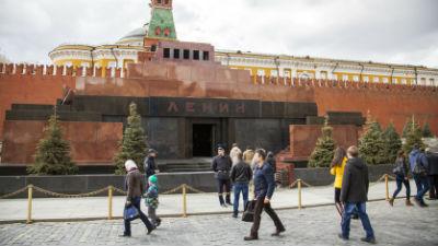 Голого мужчину задержали у входа в мавзолей Ленина