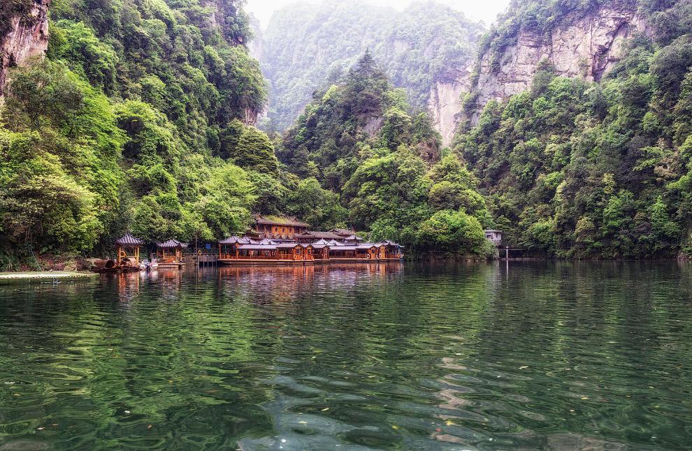 Искусственное водохранилище, оно же озеро Баофэн