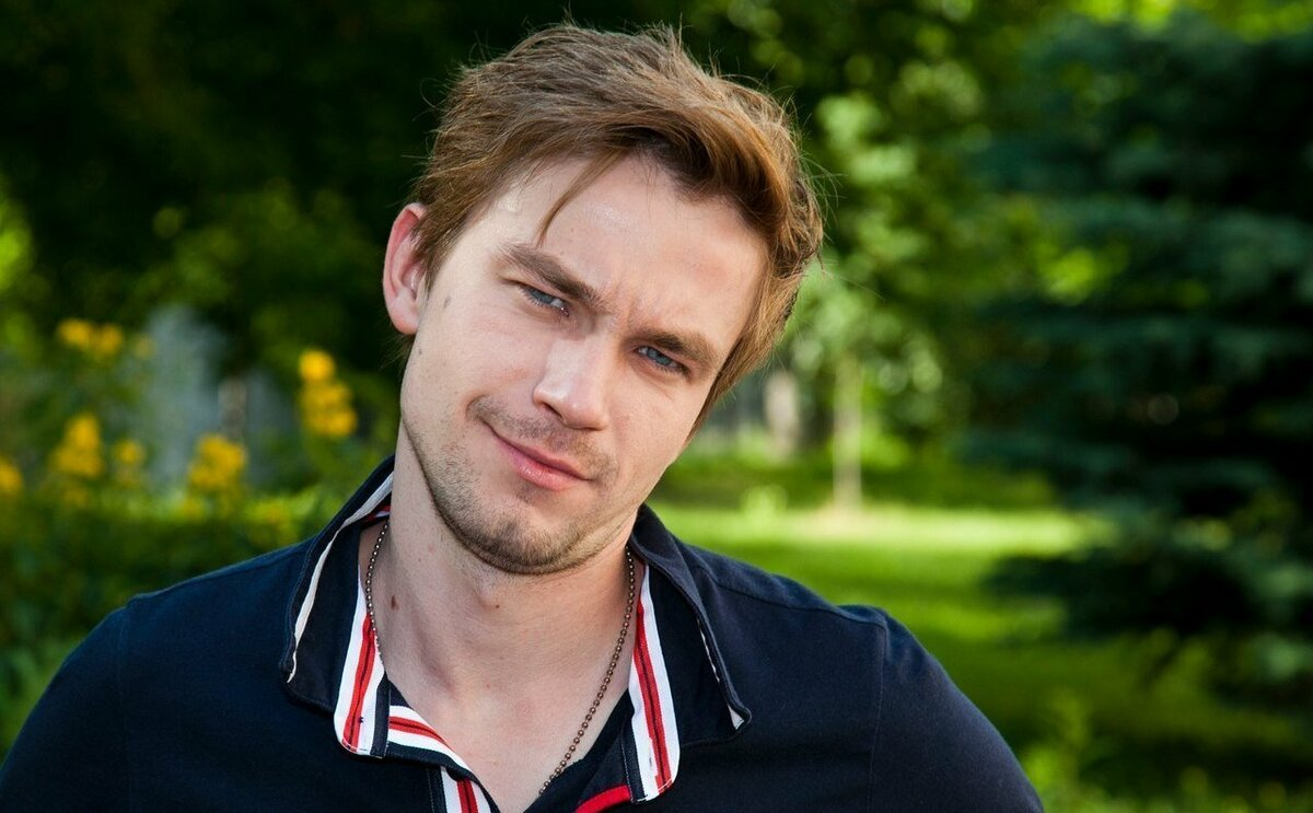 Все актеры — продажные: Александр Петров готов на постельные сцены с мужчиной