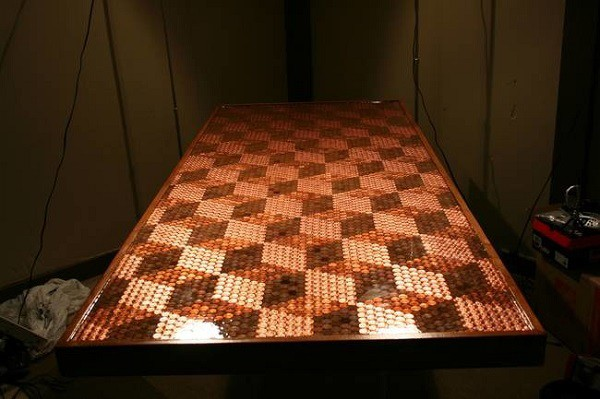От такого стола я бы точно не отказался! дизайн, креатив, монета, украшение