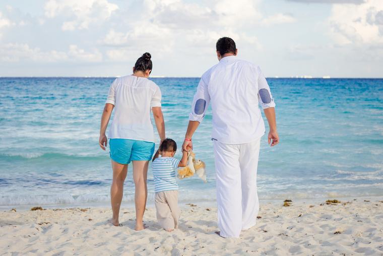 Кто сможет доехать: Государство за свой счет отправит в отпуск миллион семей