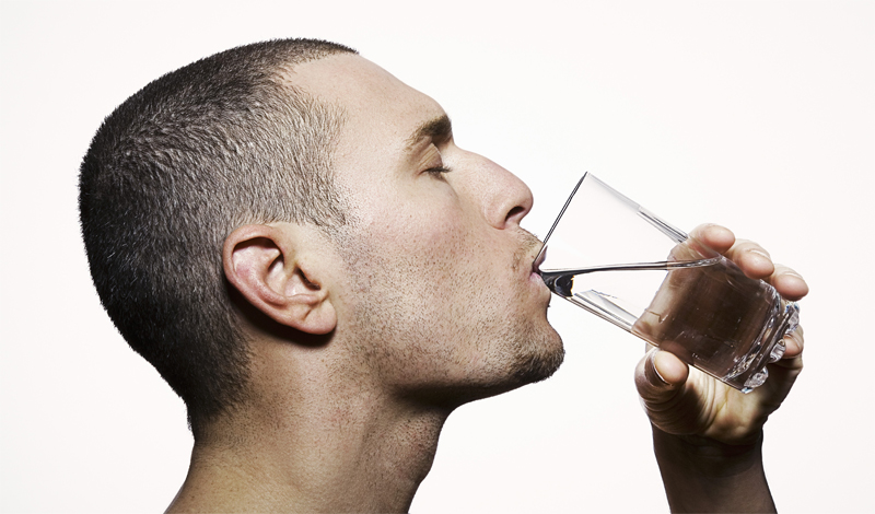 4 мифа о воде, верить в которые нужно прекратить немедленно вода