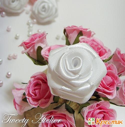 МК розы из атласных лент