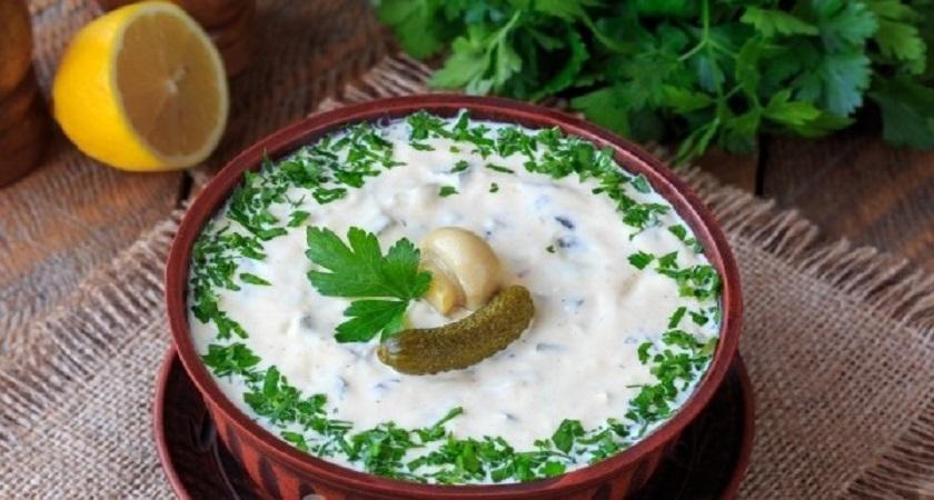 Пряный татарский соус: универсальное дополнение к любому блюду