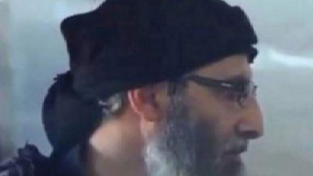 """СМИ: Террорист-смертник """"Аль-Каиды"""" подорвал руководителей ИГ"""