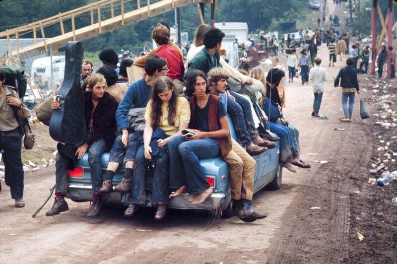 Молодые люди едут на Вудсток. Фото: Bill Eppridge / Getty Images. интересное/. фотографии, история, хиппи