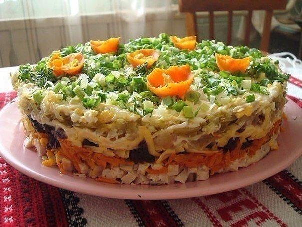 Шикарный слоёный салат с черносливом «Ночка»- оригинально и вкусно