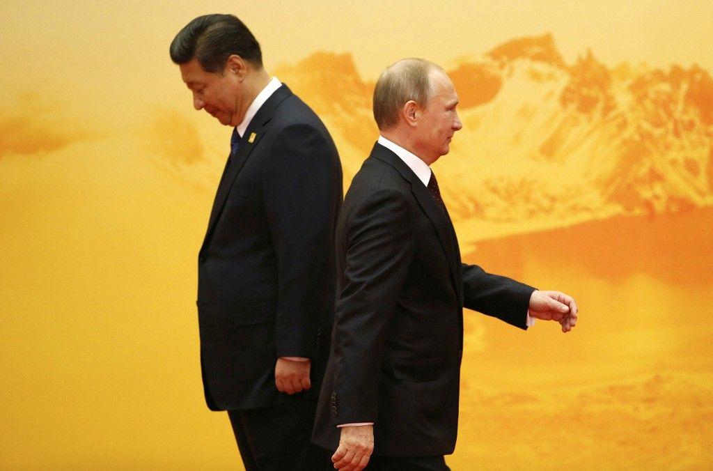 Дружба на век: Китайские банки присоединились к санкциям против России...