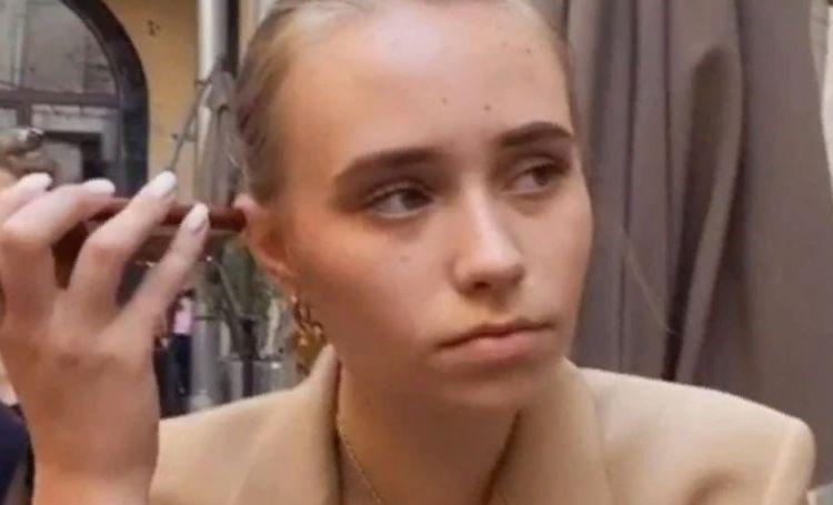 Предполагаемая дочь Владимира Путина дала первое интервью о сходстве с президентом, буллинге и публичности