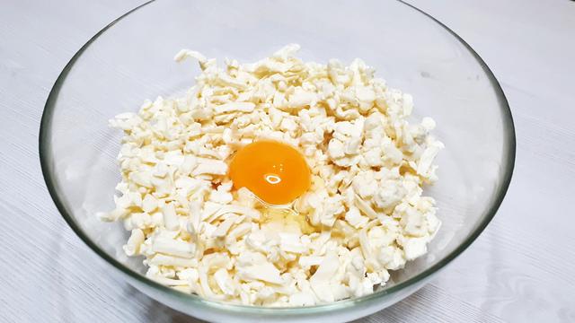 Минутный завтрак из плавленых сырков выпечка