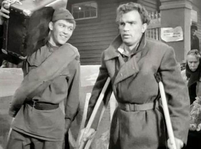 Владимир Ивашов и Евгений Урбанский в фильме *Баллада о солдате*, 1959 | Фото: pravmir.ru