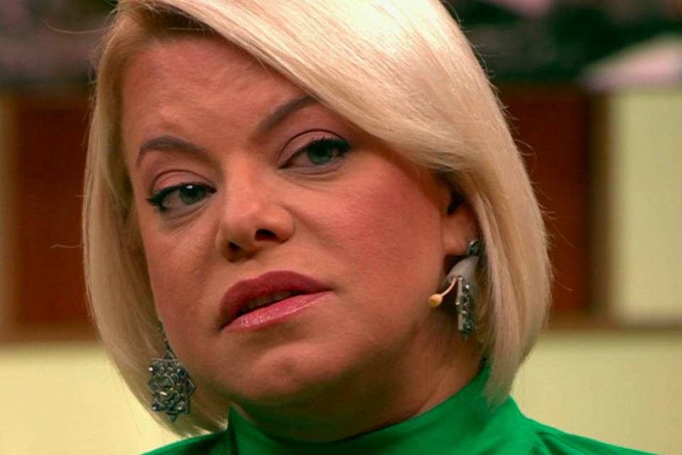 Яна Поплавская неприятно удивила переменами во внешности — «Злой взгляд и брови-радуги»