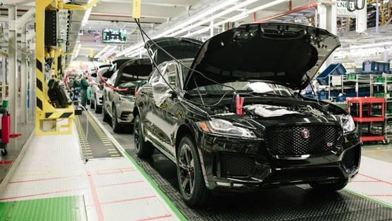 Jaguar Land Rover приостановил работу двух заводов из-за дефицита полупроводников