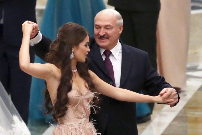 Главная спутница Лукашенко решила заняться политикой