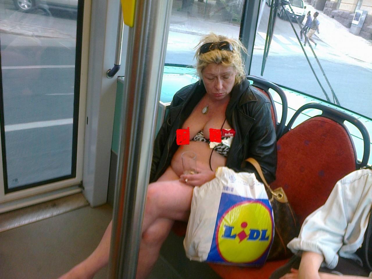 кому действительно фото жирных пьяных баб санта-барбару посмотреть